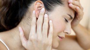 Боли в области ушей