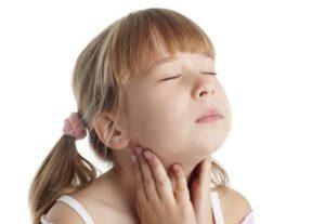 Часто болит горло у ребенка