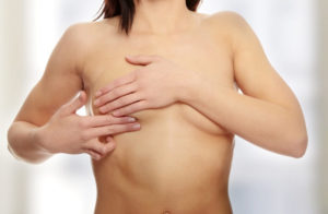 Боль при нажатии сбоку груди под мышкой