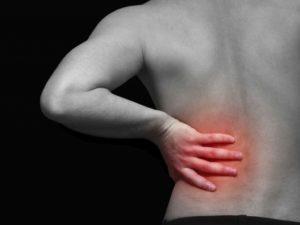 Болит спина справа под ребрами