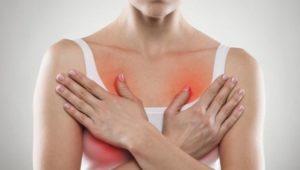 Боли в груди и красная сыпь