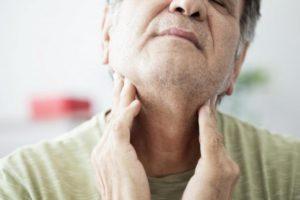Боль в горле, неприятный запах