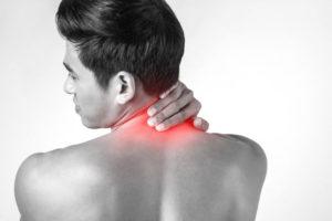 Боли в кадыке, отдающие в уши, спину и грудь