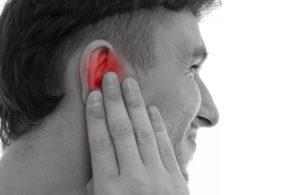 Боль в ухе и небольшой кашель